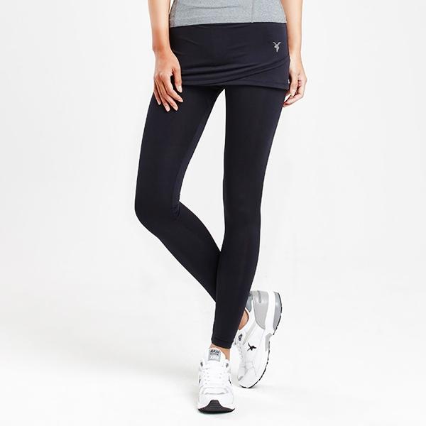 AKIII CLASSIC  <br> <b>运动10分两件套打底裙裤  </b> <br>黑<br>