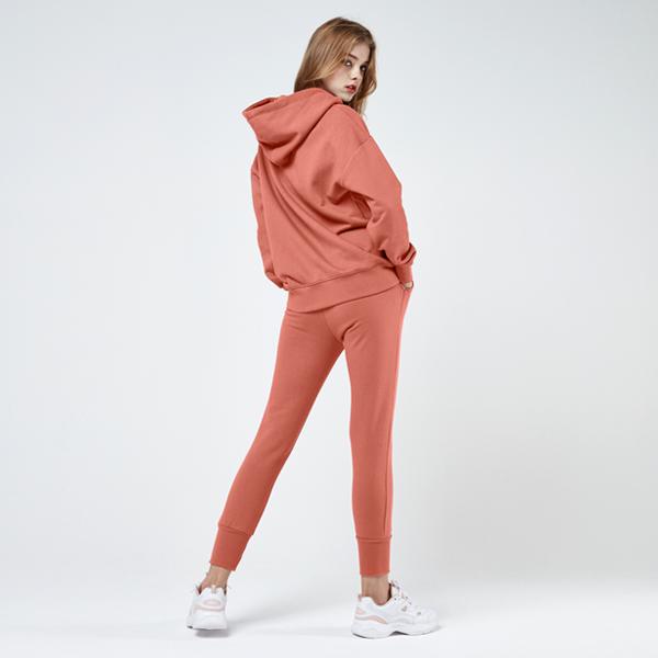 图标徽标卫衣<br>慢跑裤套装<br>甜橙